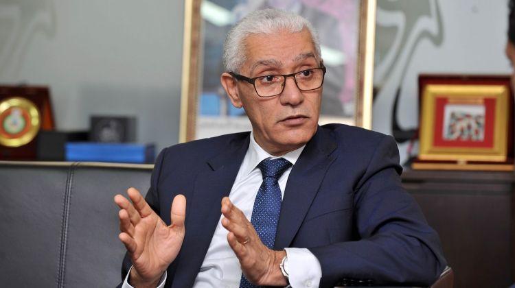 أندية رياضية تحرج وزير الشباب والرياضة.. وتطالبه بالمساواة