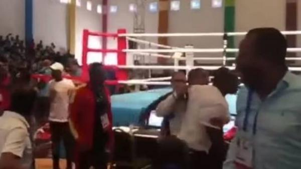 بعثة المنتخب المصري للملاكمة تتعرض لاعتداء خلال الألعاب الإفريقية (فيديو)